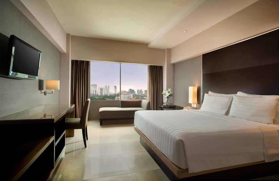 Hotel Santika Premiere Jakarta - Club Premiere Room King Regular Plan