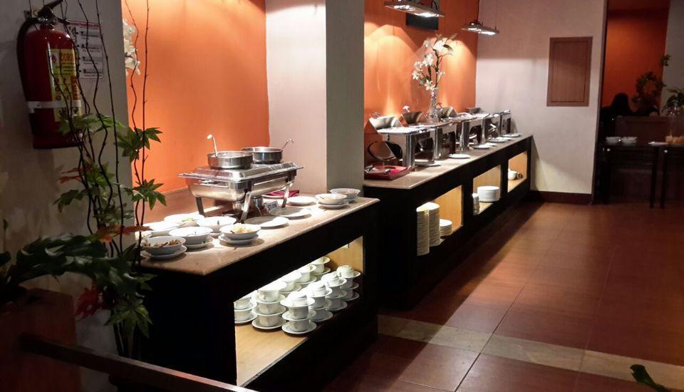 Abadi Hotel Jogja - Buffet Breakfast