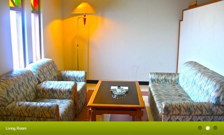 Hotel Surya Asia Wonosobo - Ruang tamu