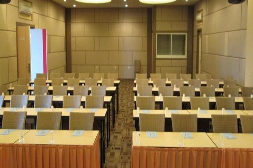Dewarna Hotel Malang - Ruang Rapat