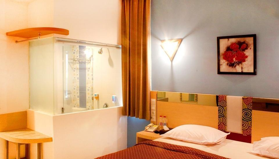 Dewarna Hotel Malang - Superior Double Room Regular Plan