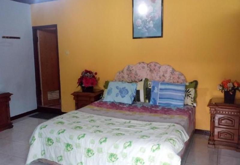 Villa Mas Inn Puncak - Deluxe AC Room Regular Plan