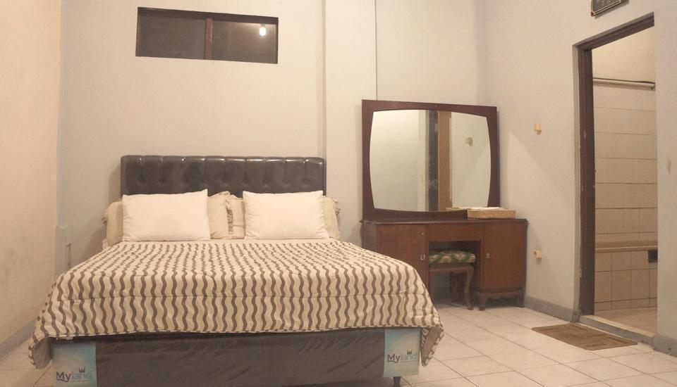 Villa Mas Inn Puncak - Superior Queen Bed