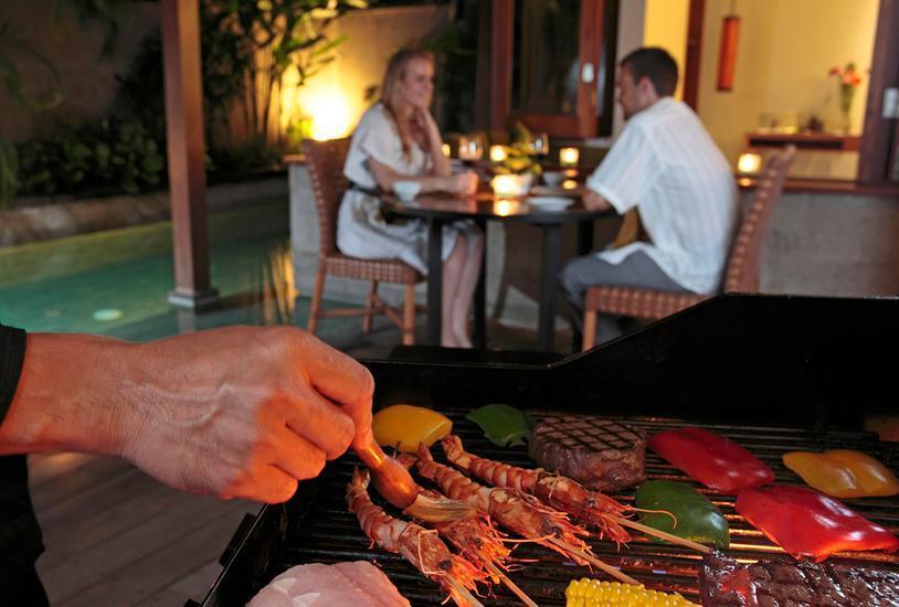 The Elysian Seminyak - Layanan BBQ di Villa pribadi  / Layanan Makan Malam Romantis