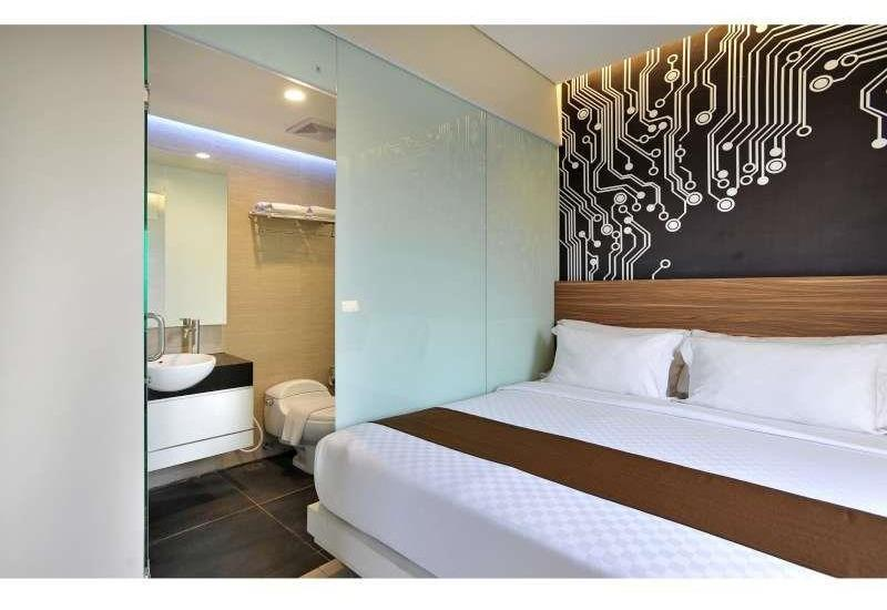 The Life Hotels Surabaya - Happy City View Room Only Regular Plan
