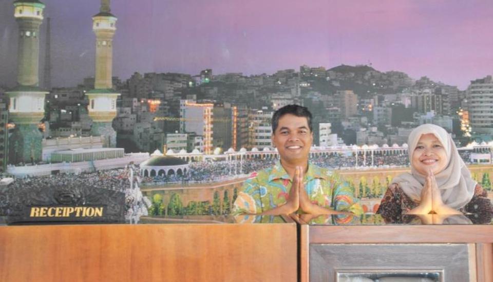 Penginapan Darma Surabaya - Resepsionis