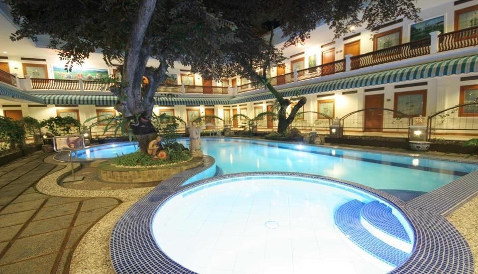 Sahira Butik Hotel Bogor - Pool