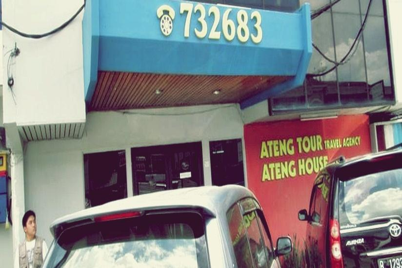 Ateng Guest House Pontianak - Tampilan Luar Hotel