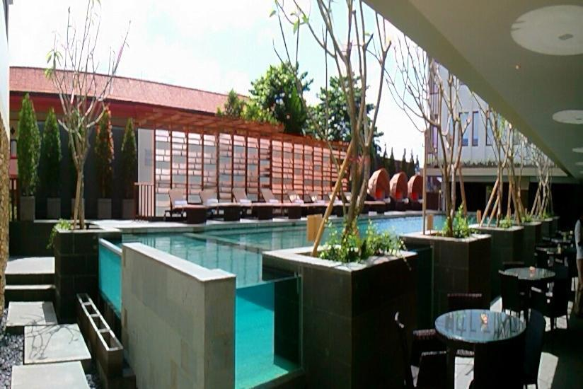 Grand Zuri Kuta Bali - Pool Side from Restaurant