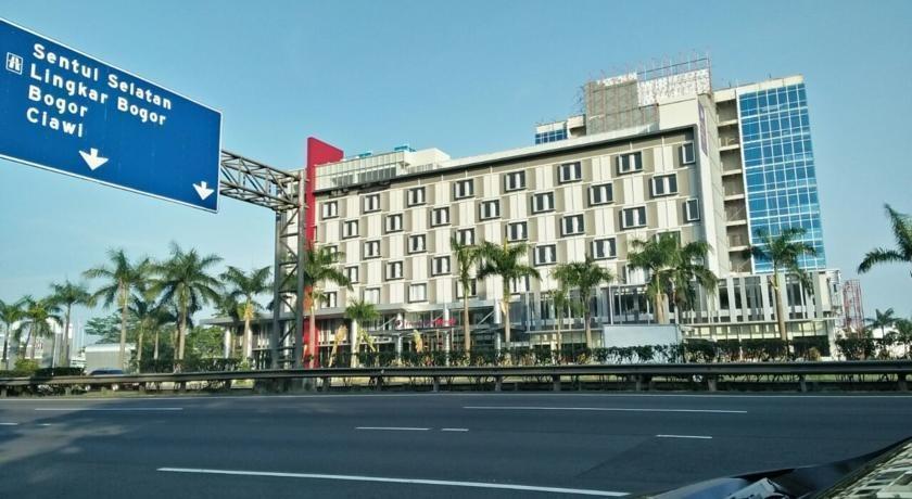 Olympic Renotel Sentul - Di sekitar Hotel