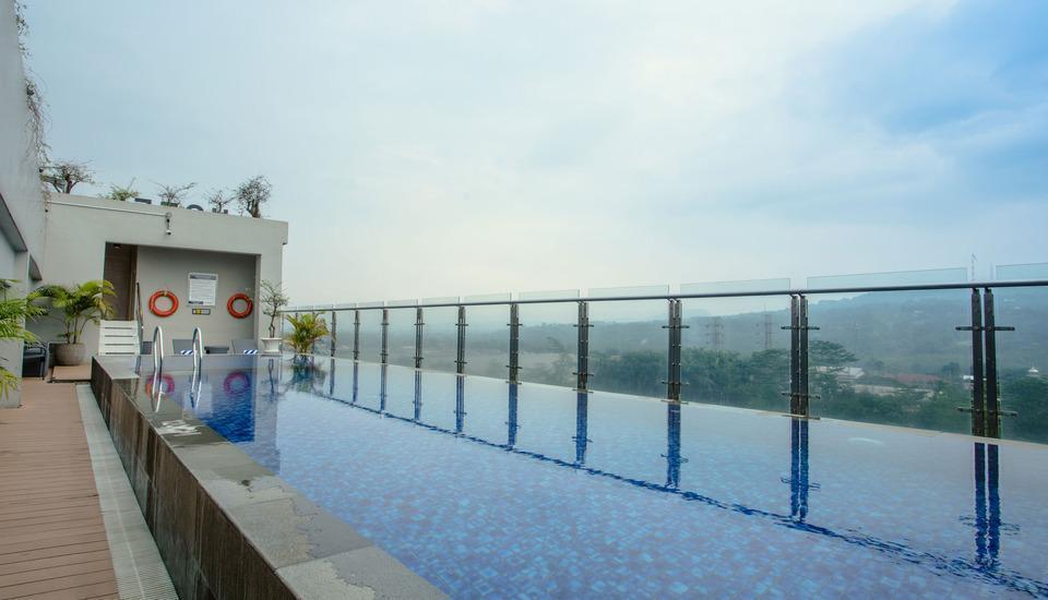 Olympic Renotel Sentul - ROOFTOP-SWIMMING-POOL