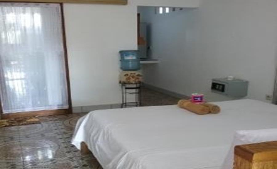 Putri Homestay Lombok - Deluxe Double With Fresh Water Regular Plan