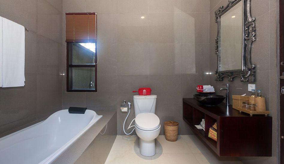 ZenRooms Tampak Siring Bali - Kamar mandi