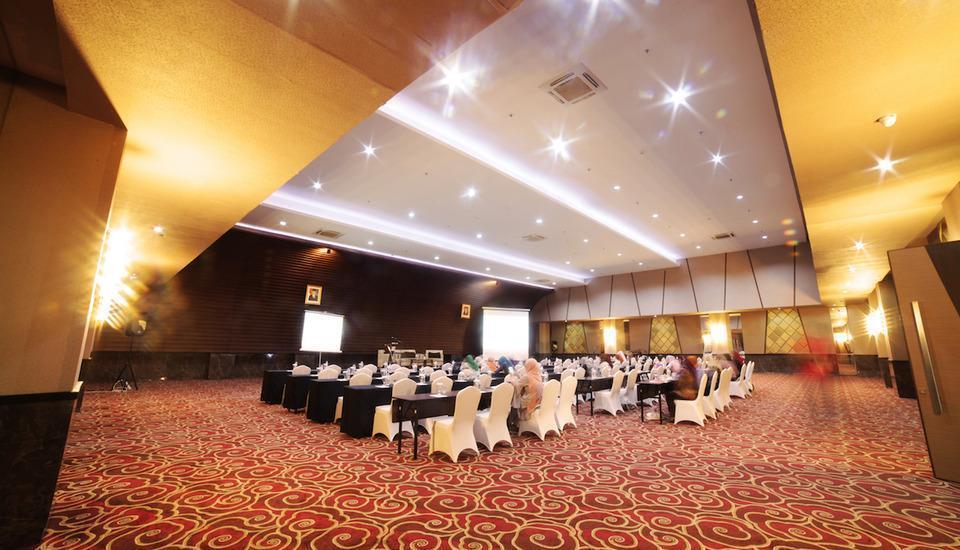 Oak Tree Premiere Bandung - ballroom