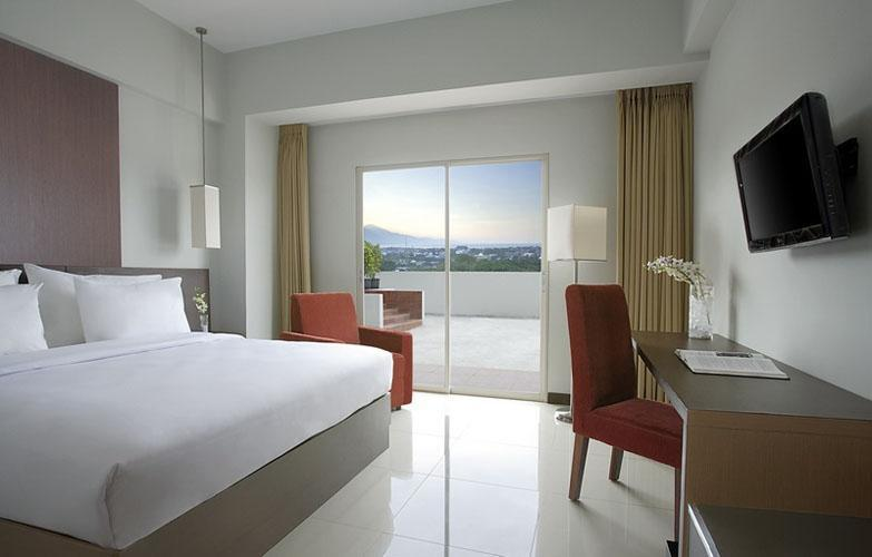 Hotel Santika Palu - Deluxe Room Twin Regular Plan
