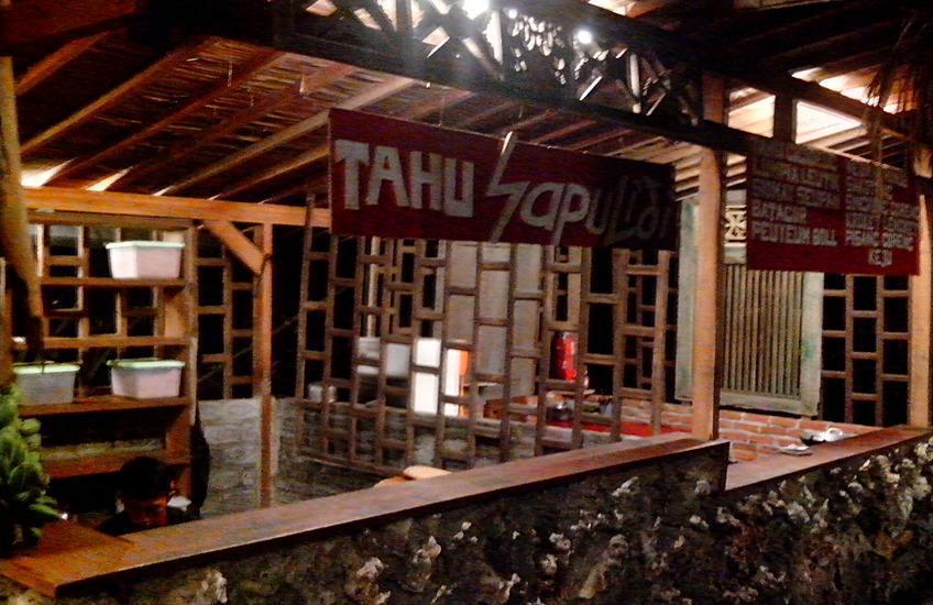Sapu lidi Resort Hotel Bandung - Jajanan Khas sunda Sapulidi