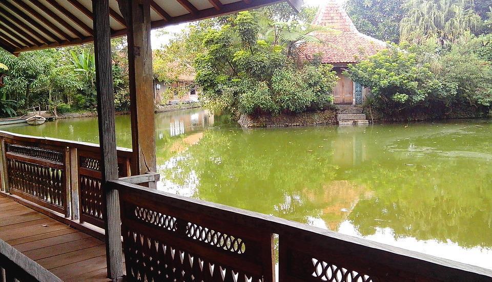 Sapu lidi Resort Hotel Bandung - Suite Lake View #WIDIH
