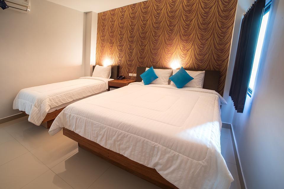 Grand Mandarin Inn Singkawang - Super Deluxe Room Breakfast Regular Plan