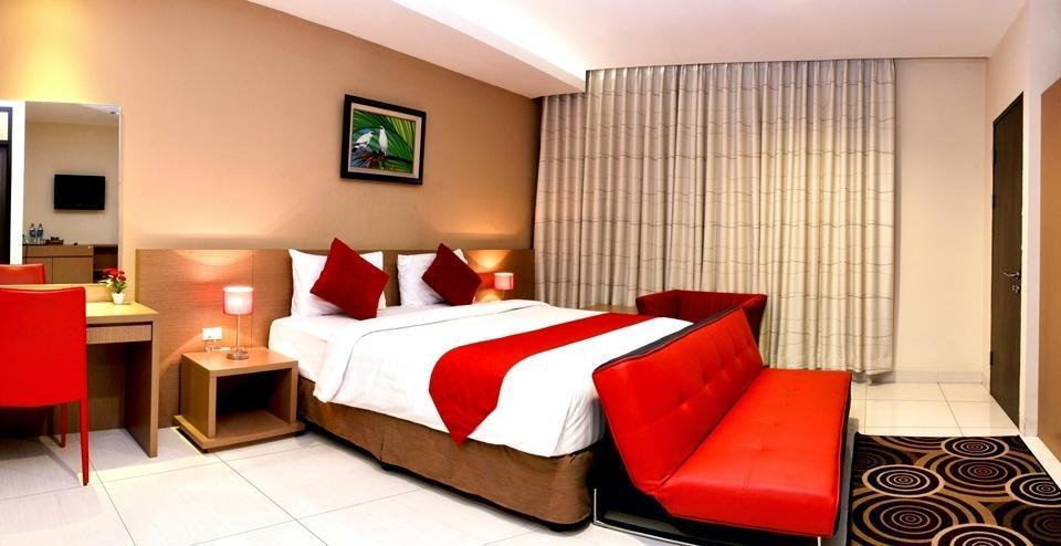 Sweet Karina Hotel Bandung - Suite Room With Breakfast Save 10%