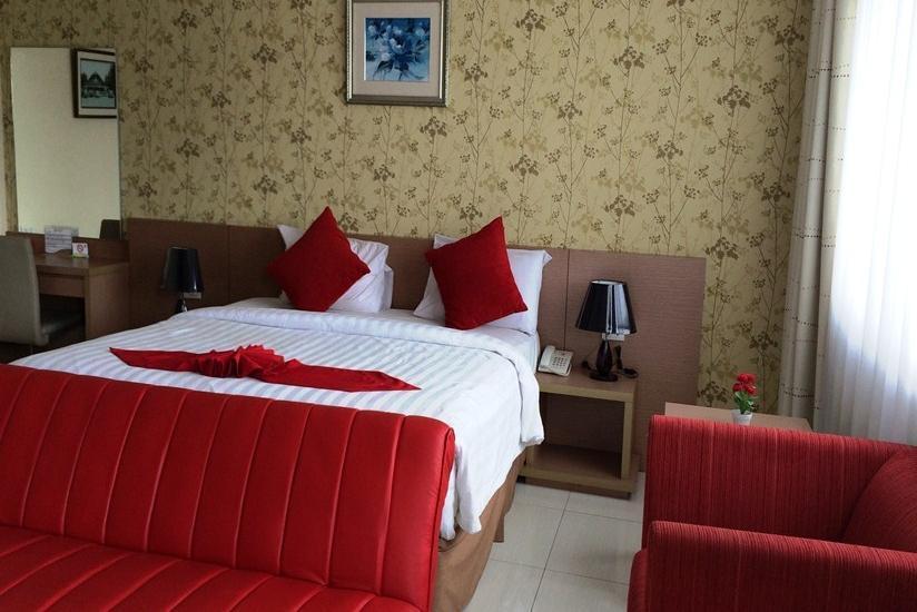 Sweet Karina Hotel Bandung - Suite Cream