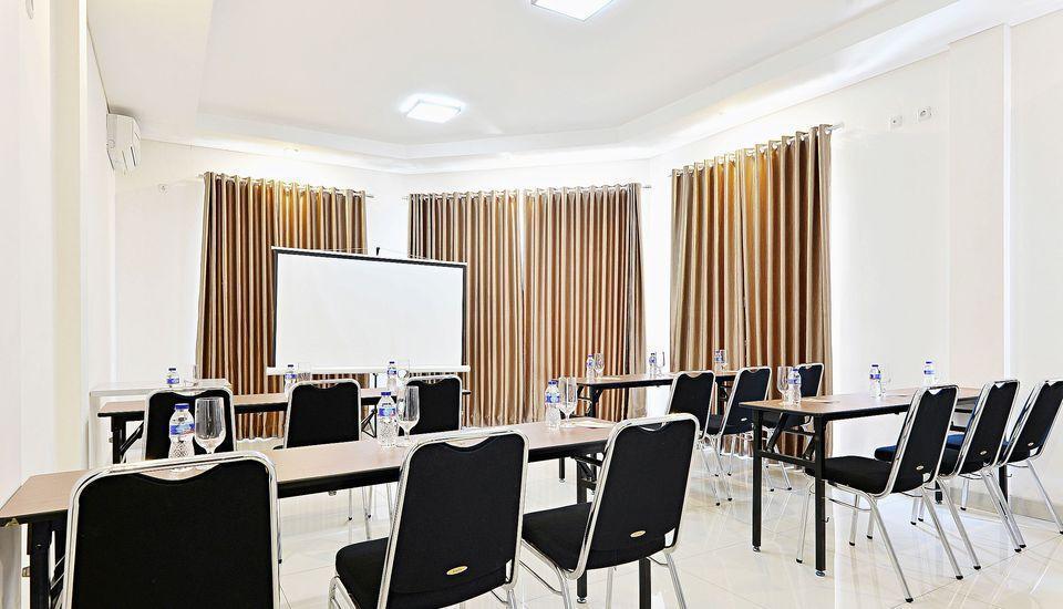ZenRooms Riau Natuna - Ruang Rapat