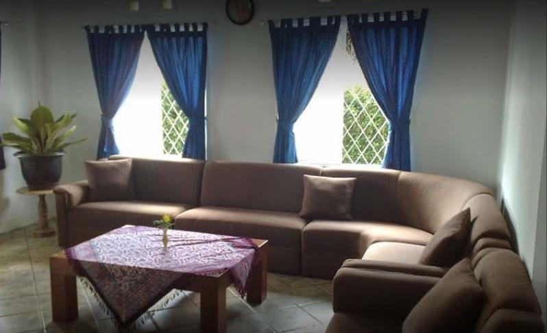 Villa 121 Lembang Bandung - Living Room