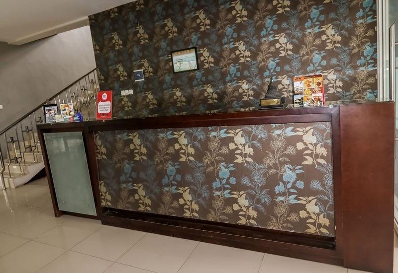 NIDA Rooms Simpang Lima Diponegoro - Resepsionis