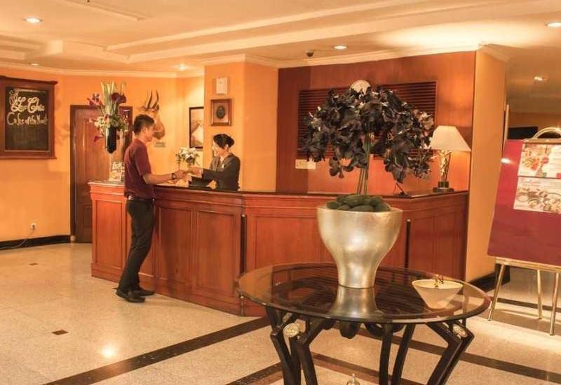 Travellers Suites Medan - Lobby