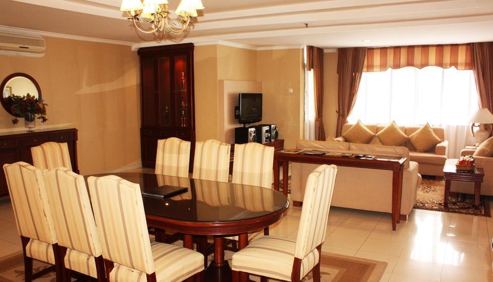 Travellers Suites Medan - Penthouse Suite