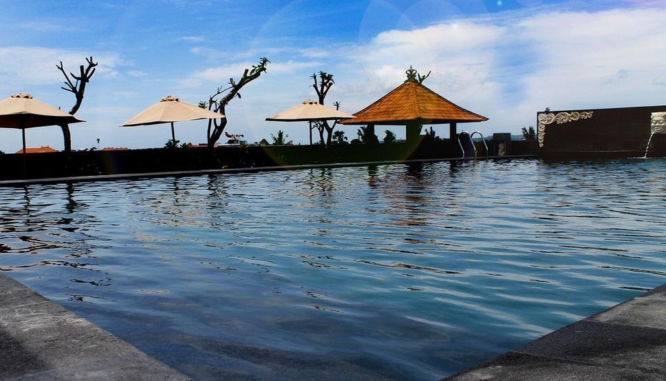 Grand Hardys Hotel Kuta - Roof Top Swimming Pool 3