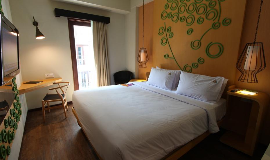 Max One Hotel Legian - Deluxe Room With Breakfast Last Minute