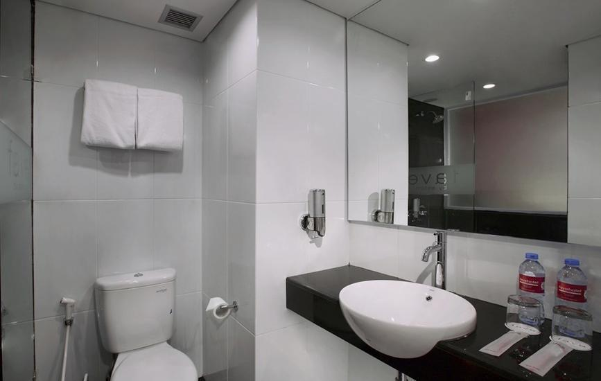 favehotel Pekanbaru - Bathroom