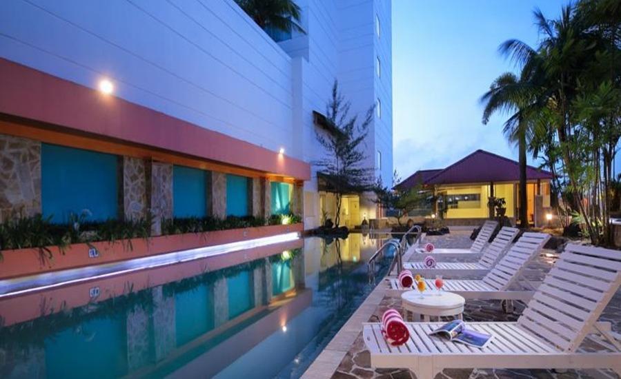 Allium Batam Hotel Batam - Kolam Renang