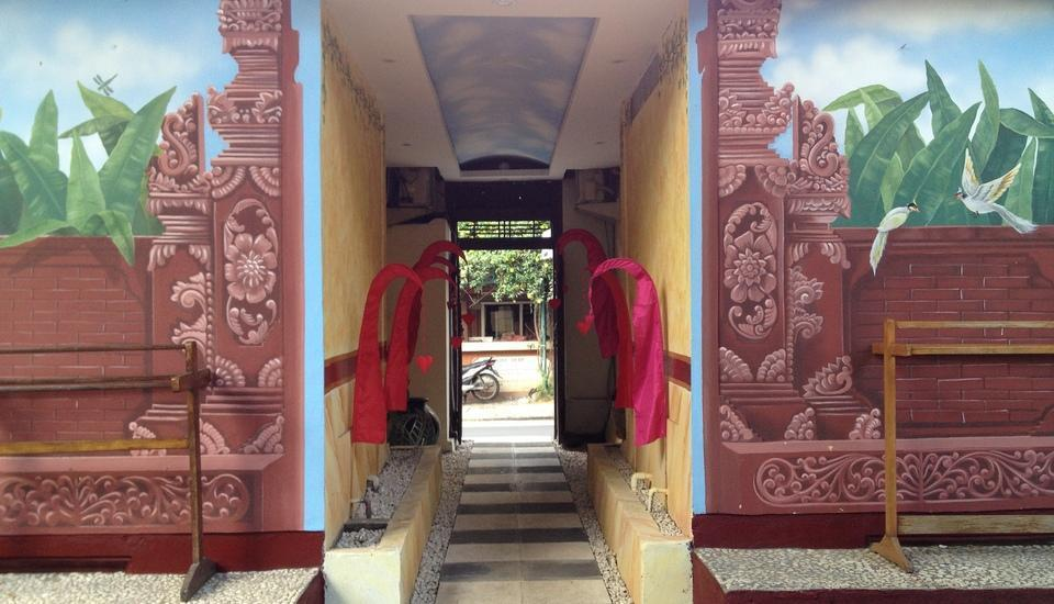 Puri Wisata Hotel Bali - Pintu masuk Selatan