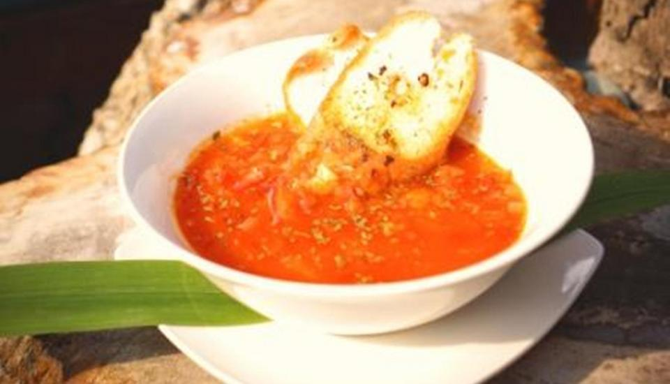 Puri Wisata Hotel Bali - Sup tomat dengan roti