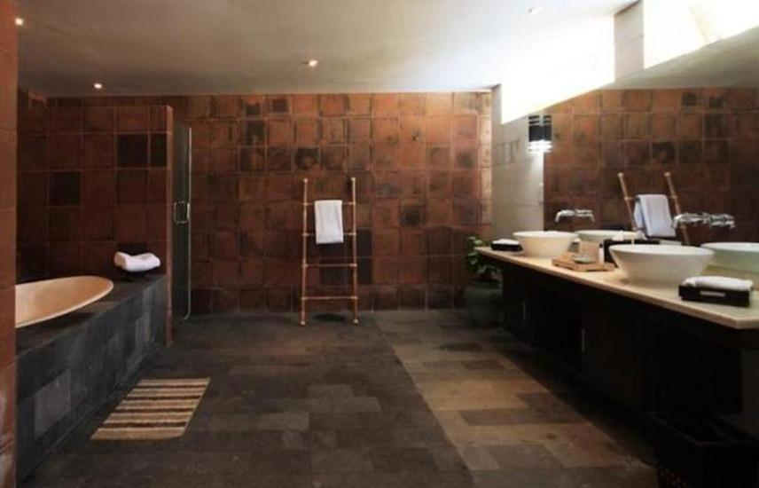Taman Dayu Golf Club & Resort Pasuruan - Kamar mandi