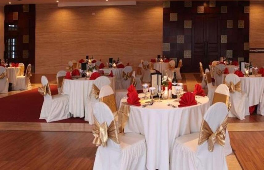 Taman Dayu Golf Club & Resort Pasuruan - Ruang aula