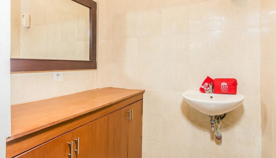 ZenRooms Kedonganan Pengeracikan - Kamar mandi