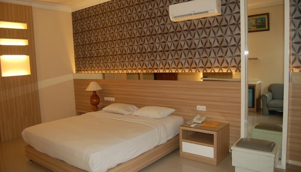 Rinjani Hotel Semarang - Deluxe Double Room Regular Plan