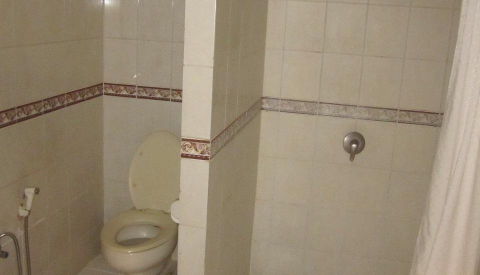 Rinjani Hotel Semarang - Kamar mandi