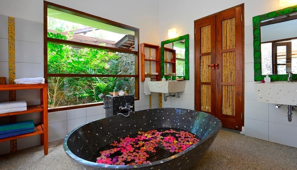 Hotel Cocotinos Sekotong Lombok - Tangkong Villa