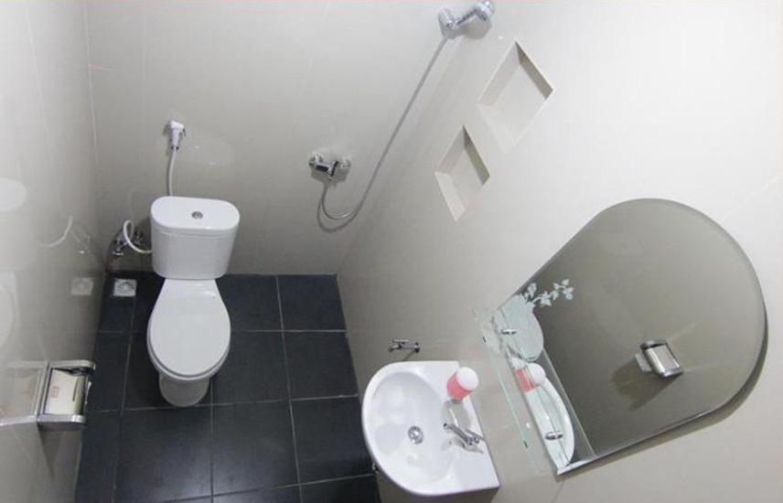 Hotel Garuda Bontang Bontang - Bathroom