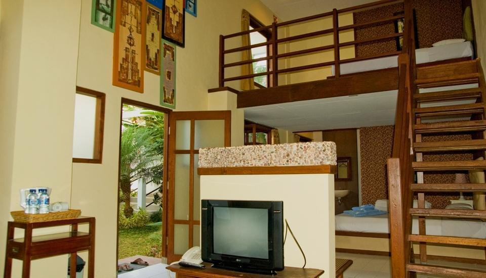 Hotel Gradia 2 Malang - Family 4 garden view