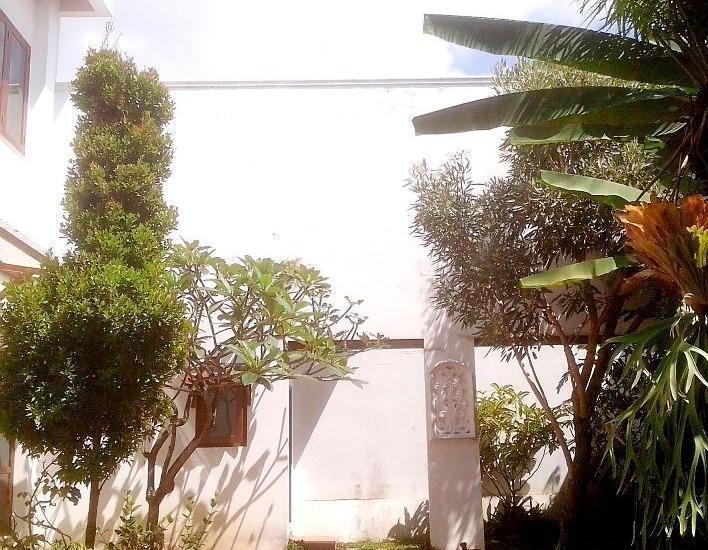 Hotel Gradia 2 Malang - garden view