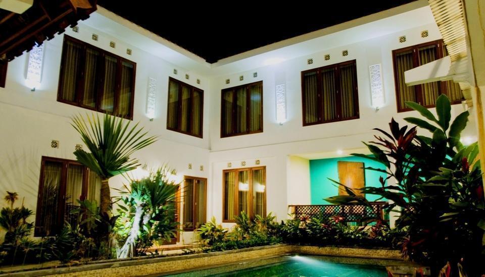 Hotel Gradia 2 Malang - Pool