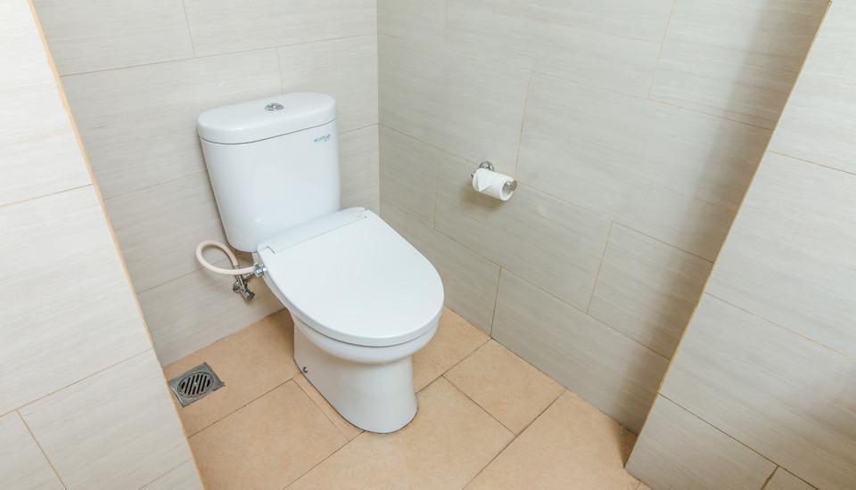 ZenRooms Denpasar Gatot Subroto - toilet