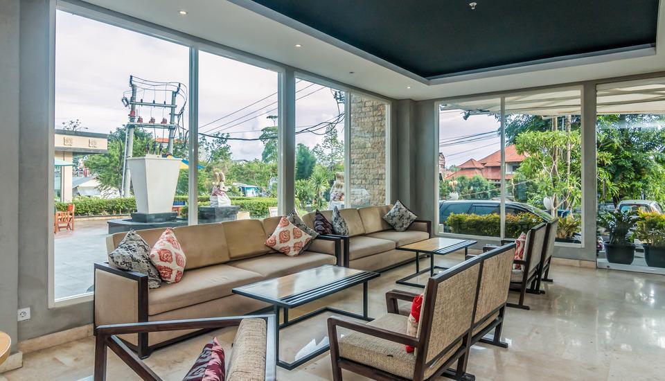 ZenRooms Denpasar Gatot Subroto - area tempat duduk lobi