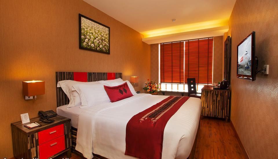 Lion Hotel & Plaza Manado - Superior King Sea View With Breakfast Regular Plan