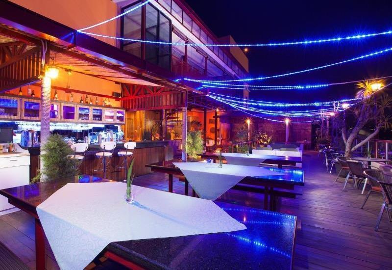 Lion Hotel & Plaza Manado - Bar