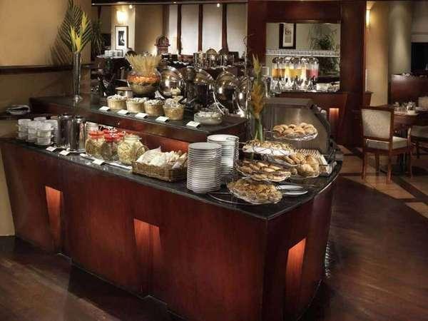 Hotel Kristal Jakarta - Buffet